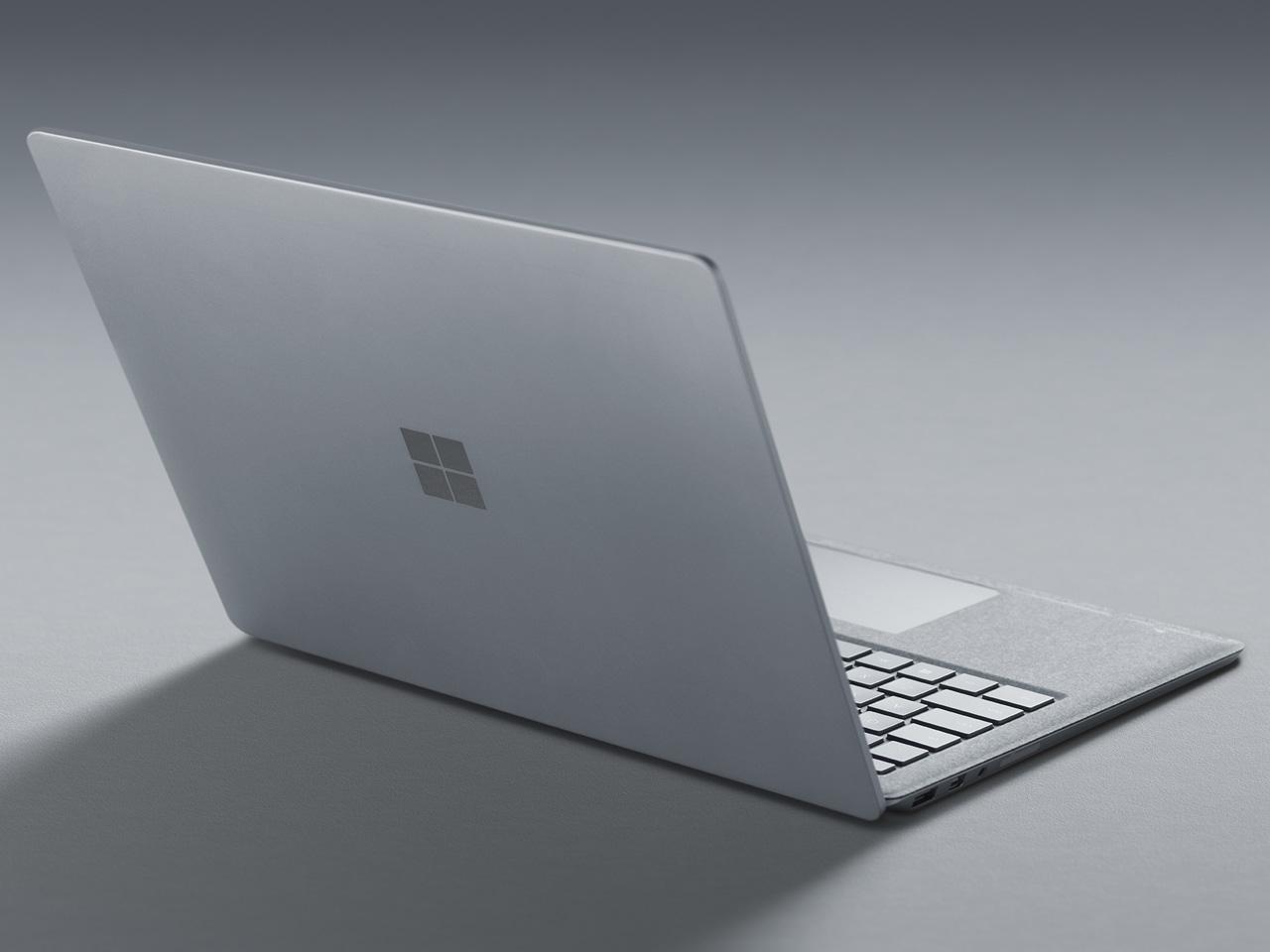 『本体 背面 斜め2』 Surface Laptop EUP-00018 の製品画像