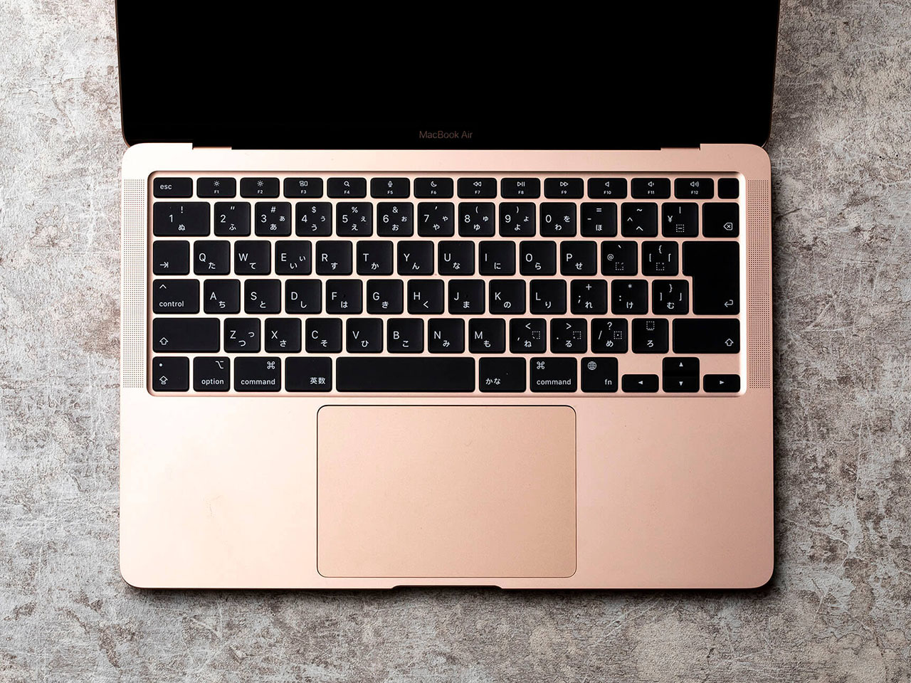 『本体 上面 参考1』 MacBook Air Retinaディスプレイ 13.3 MGND3J/A [ゴールド] の製品画像