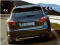 『走行イメージ ジェットブラックメタリック1』 カイエン 2010年モデルの製品画像