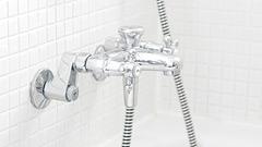 シャワーヘッドと水栓を交換