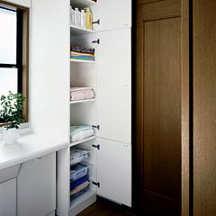 カスタマイズ型洗面台に交換・内装も新しく