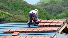 瓦屋根をふき替え